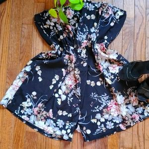 Shein Curve black floral rompers, size 4XL